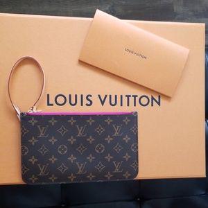 Louis Vuitton Pivoine Pouchette